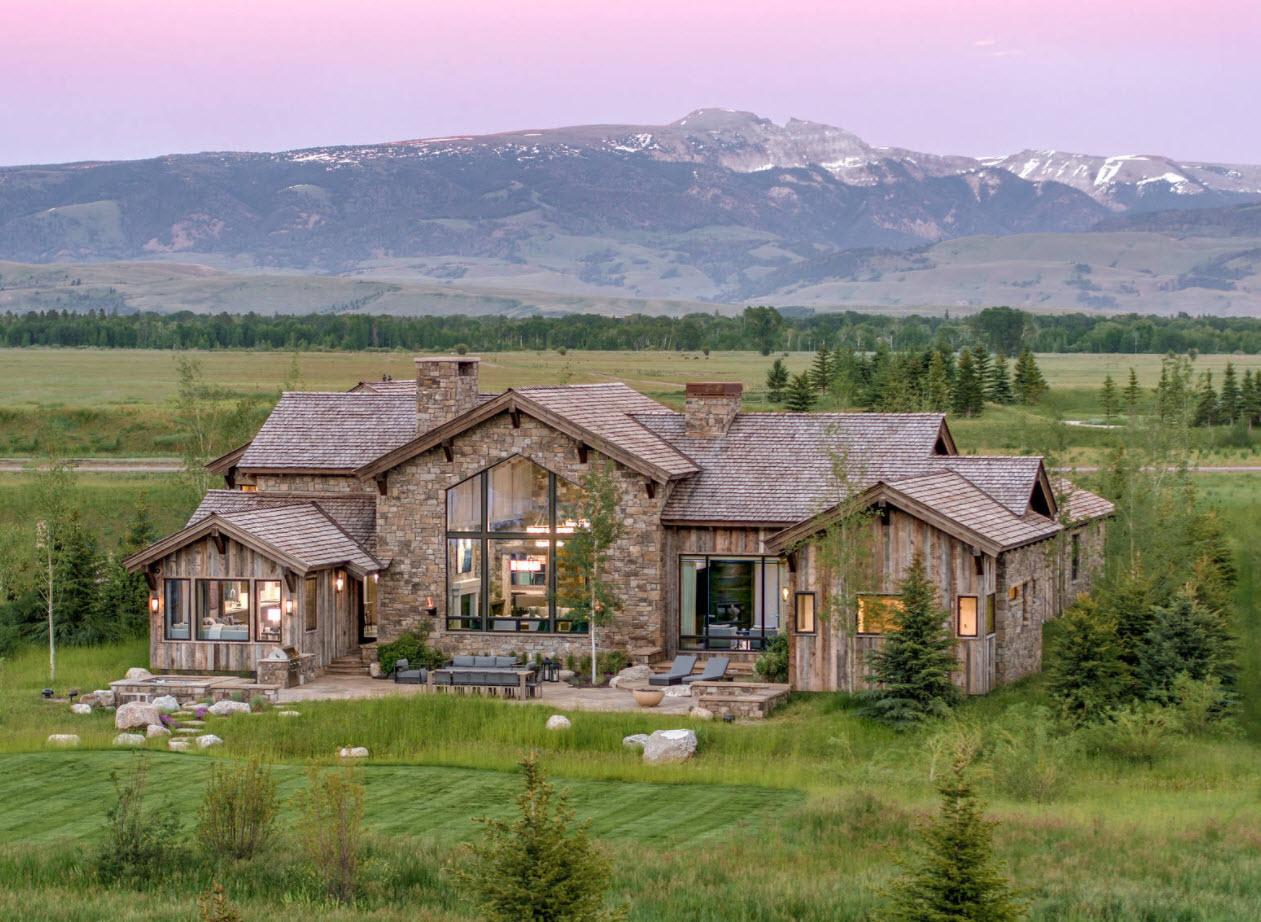 домик в горах с двухскатной крышей