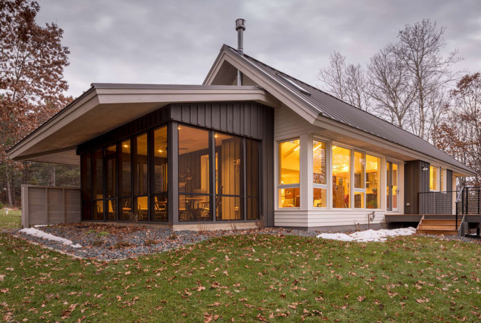 Пристройка к дому с двухскатной крышей фото таких