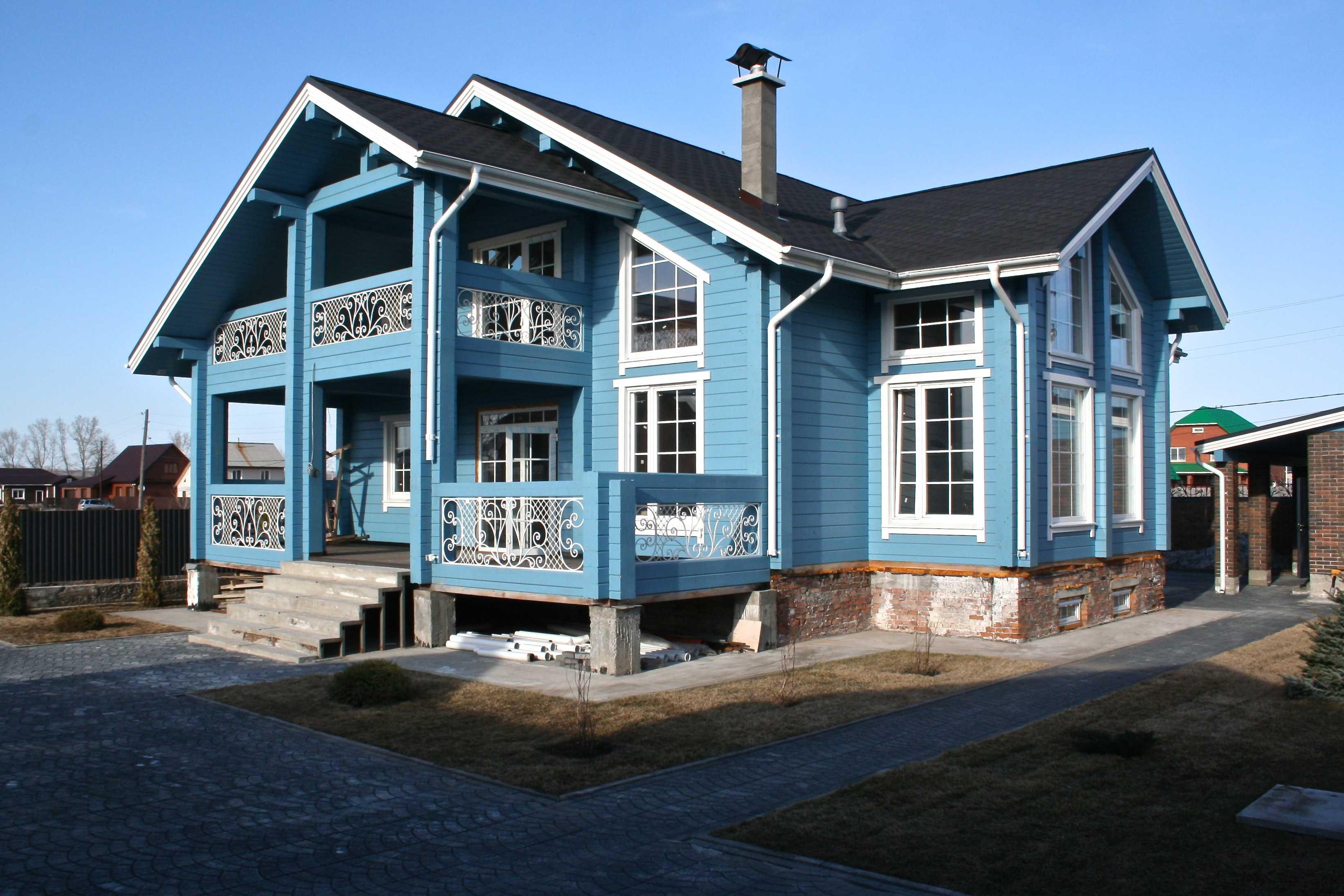 Фасады деревянных домов фотографии