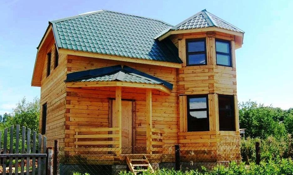 картинки домов из дерева с эркером фанатов