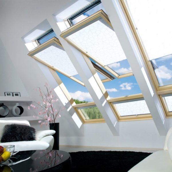 Fakro модель FTP-V U3 Деревянное окно