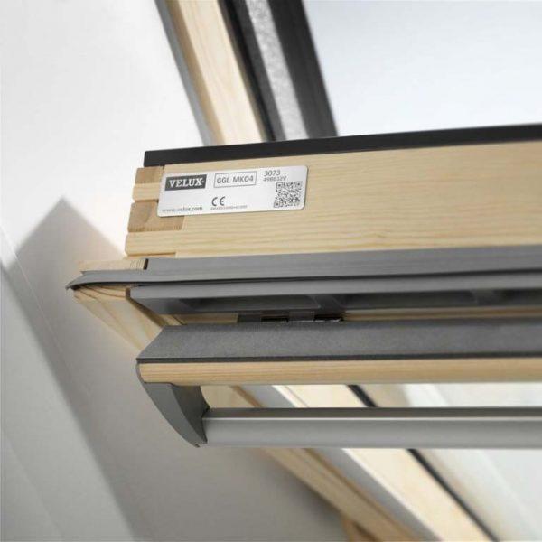 VELUX PREMIUM классическое деревянное окно GGL 3070