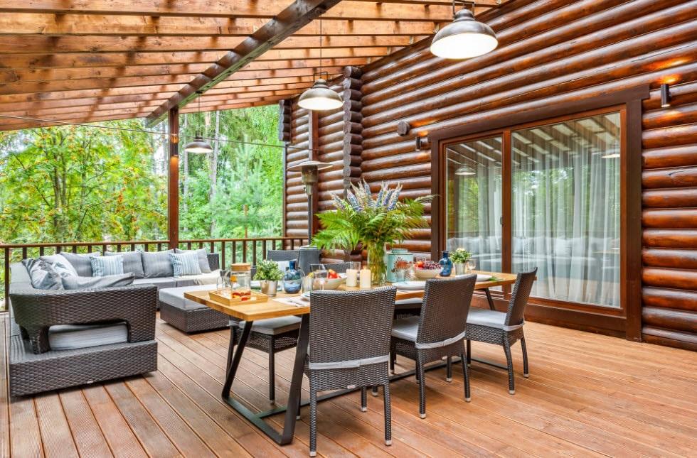дизайн террасы в загородном доме фото рамка бокалами для