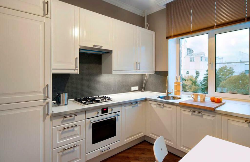 Как обустроить небольшую кухню фото какой книге