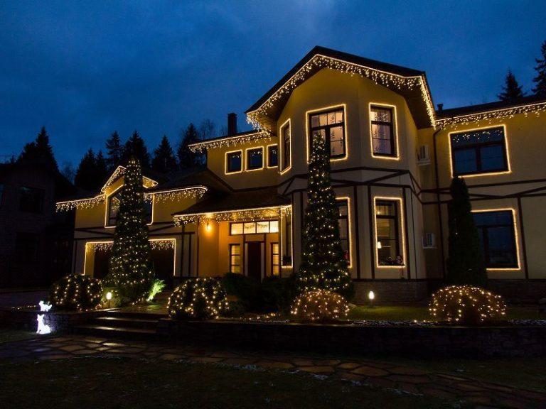 начальном подсветка загородного дома фото вечера