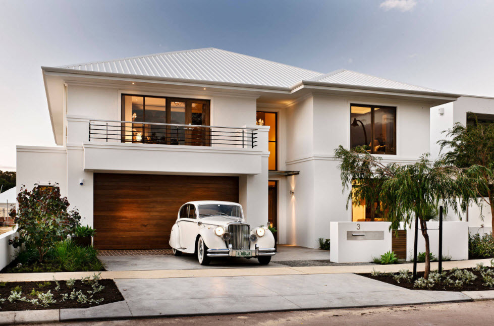 дом в коричнево-белых тонах