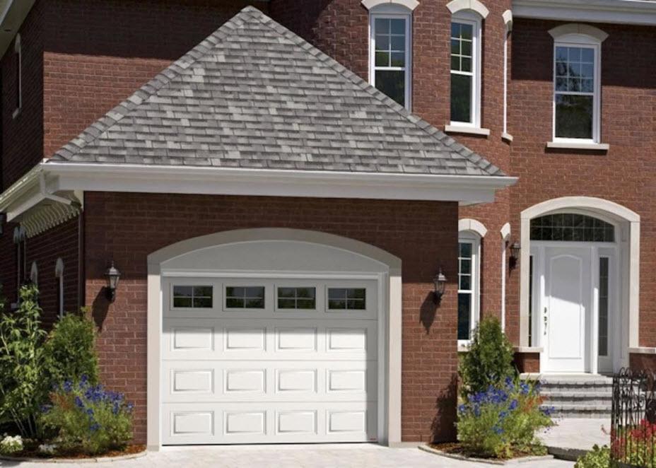 дом с гаражом в американском стиле