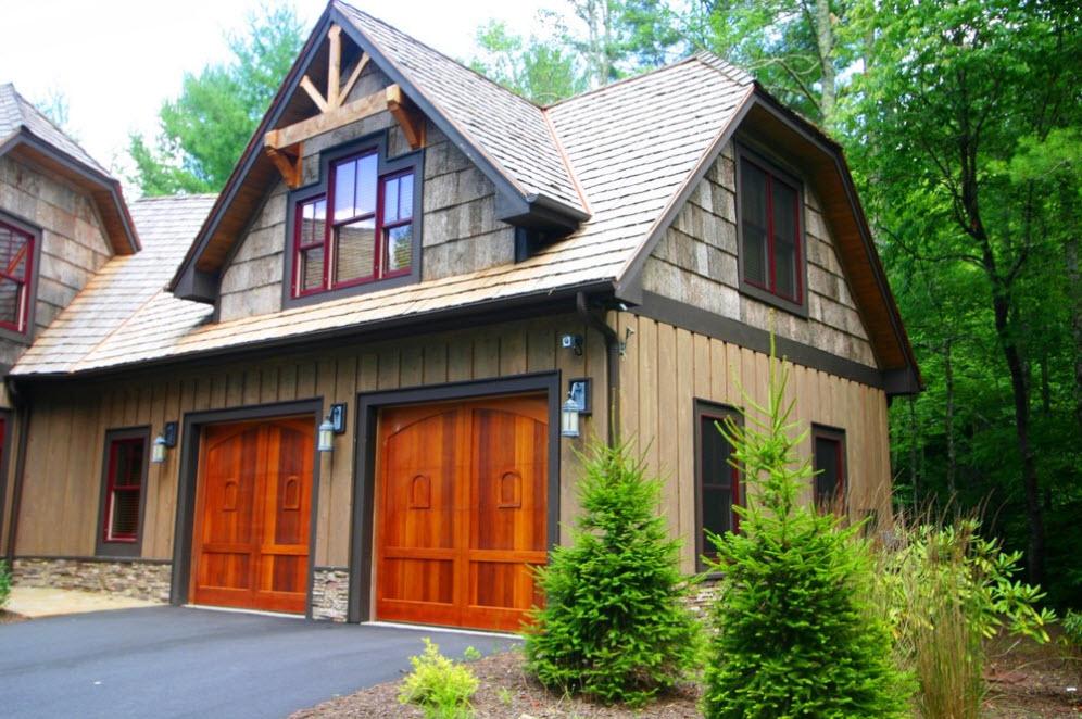дом с гаражом в лесу