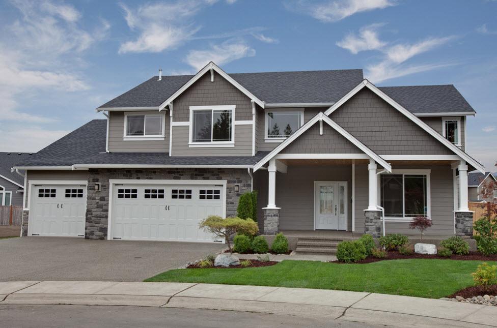 загородный дом с гаражом и мансардой