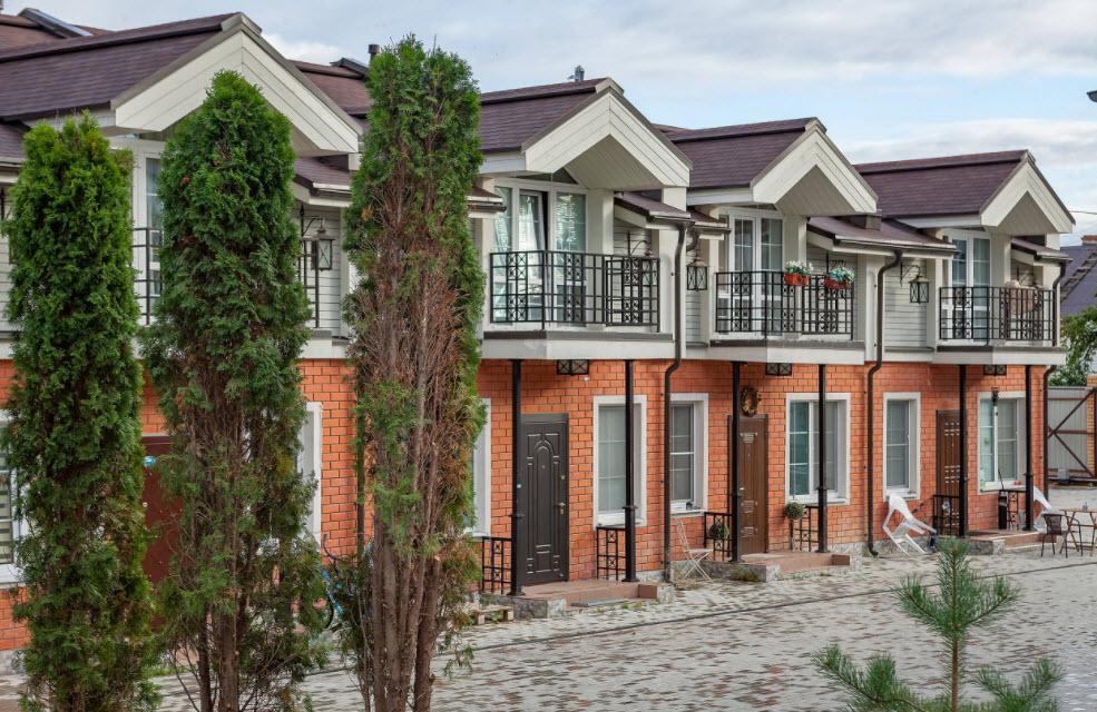 комбинированный фасад современного дома