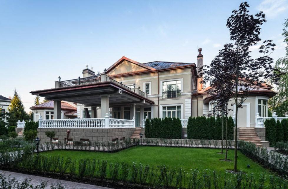 красивый фасад большого дома