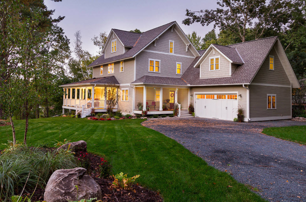 серо-белый дом