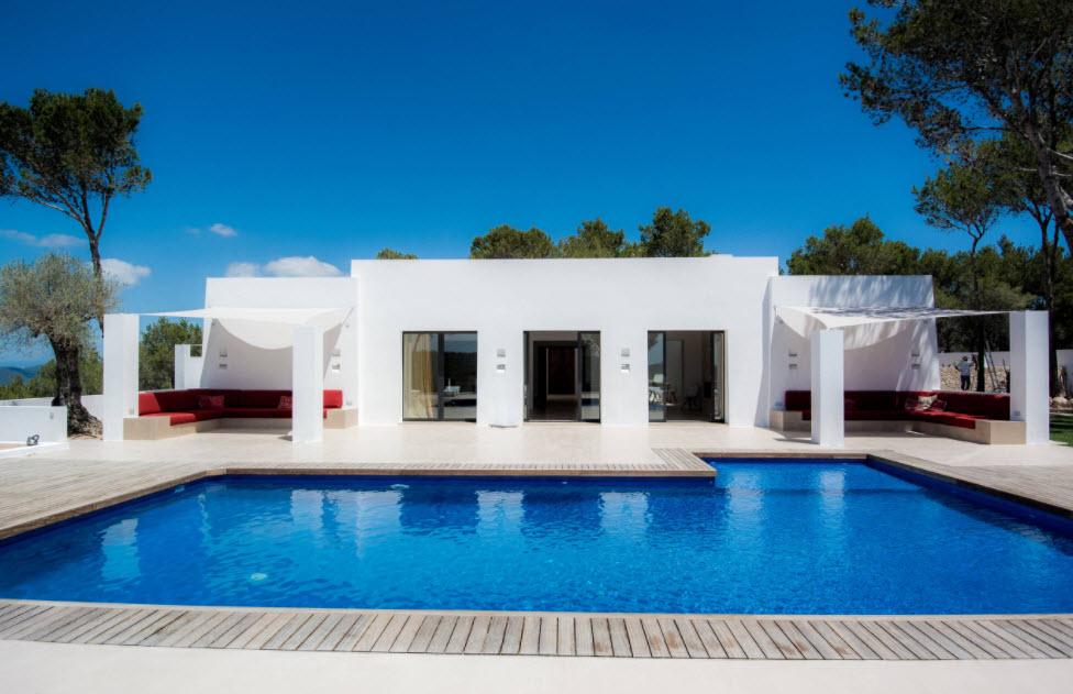 белоснежный дом у бассейна