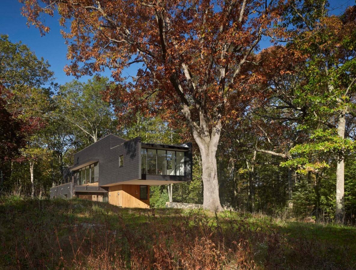 фасад дома, облицованный панелями