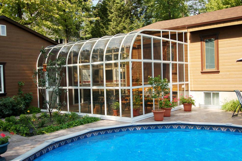 дом одноэтажный с террасой под стеклом