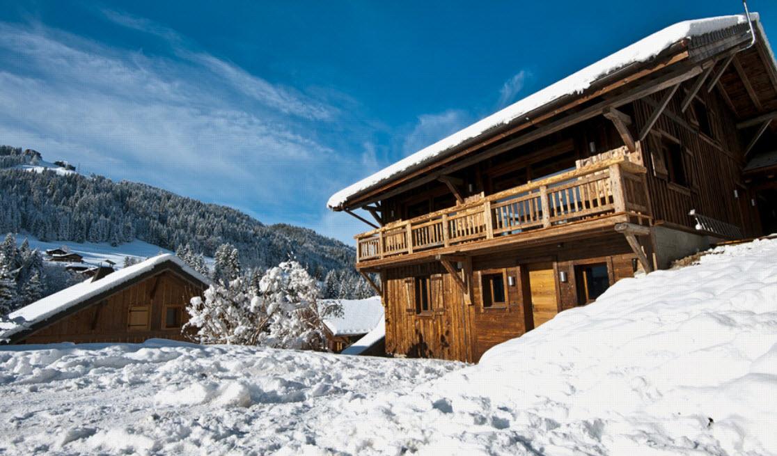 деревянная постройка дома