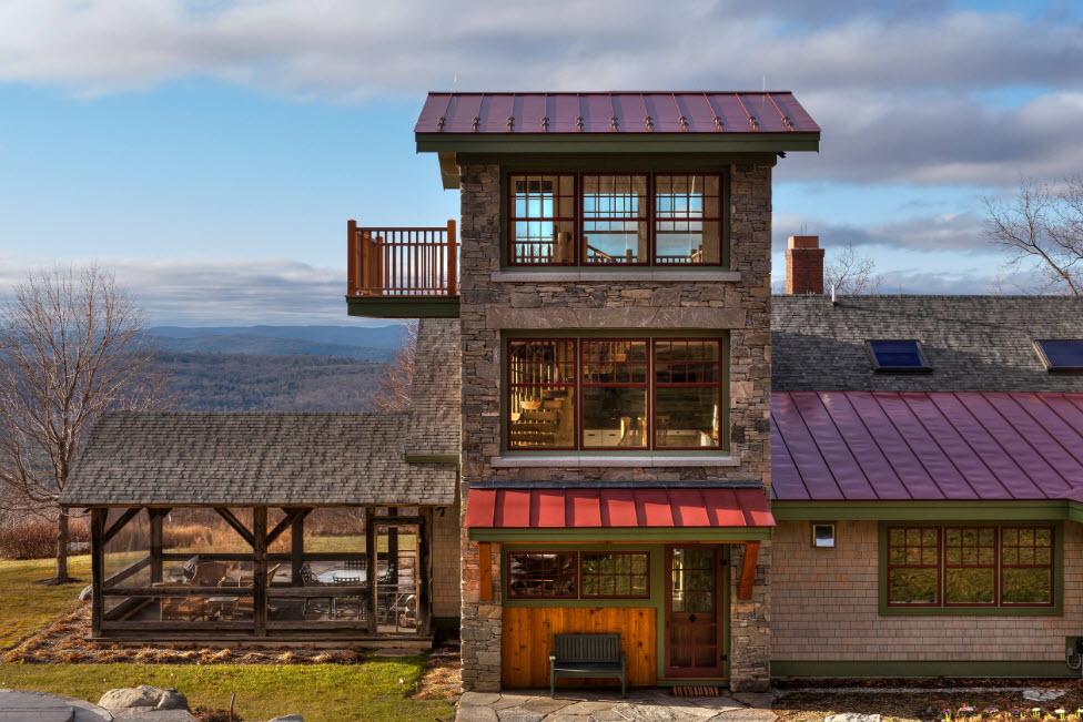 дом шале с террасой и балконом