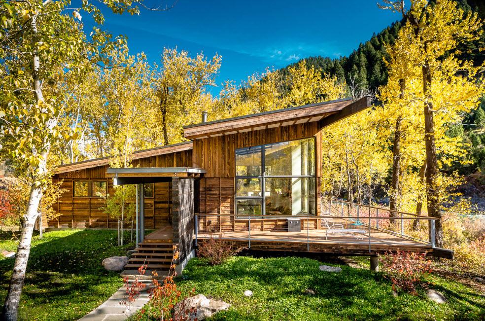 компактный лесной домик