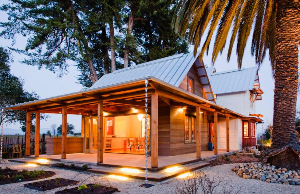 комфортный домик из дерева с мансардой