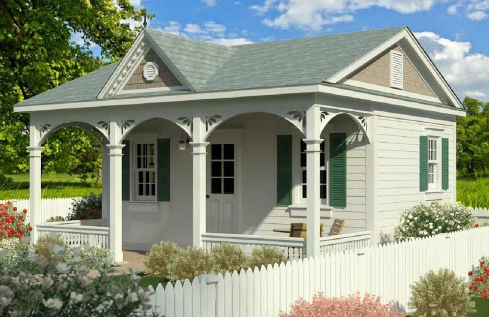 уютный домик с небольшой террасой