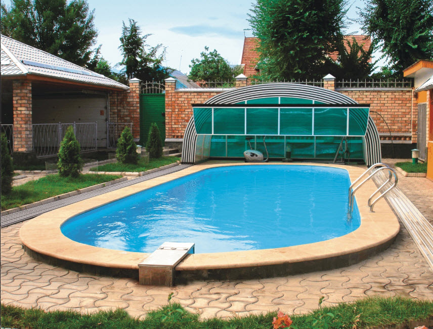 Бассейн во дворе частного дома: выбор конструкции и фото готовых решений